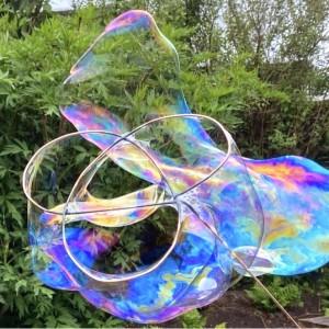 Wire Bubble Link Sculpture. Ellen McCann.