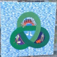 Knitted Link - Laura Shirley aka The Yarn Bomber
