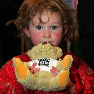 A young supporter of the Festival © Ken Foulis