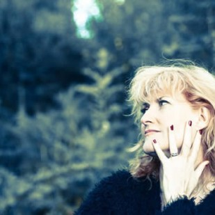 Eddi Reader at Biggar Little Festival 2015
